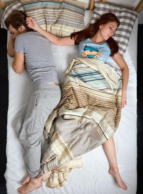 Sevgiliyle uyuma pozisyonları
