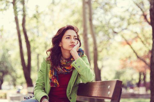 Mutlu olma korkusu cherophobia neden olur çerofobi nasıl geçer