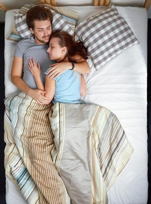 çiftlerin uyku pozisyonları