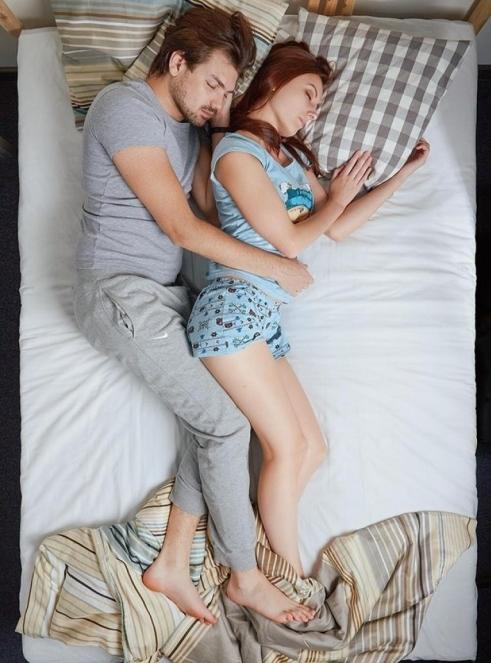 kaşık pozisyonunda uyumak anlamı