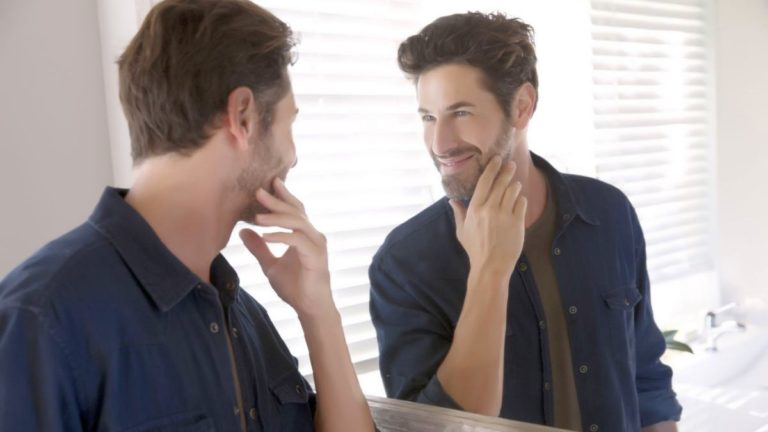 Narsist İnsanlar Nasıl Davranır Ve Konuşur?